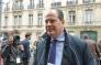 Le patron du PS, Jean-Christophe Cambadélis, arrache le micro d'une journaliste